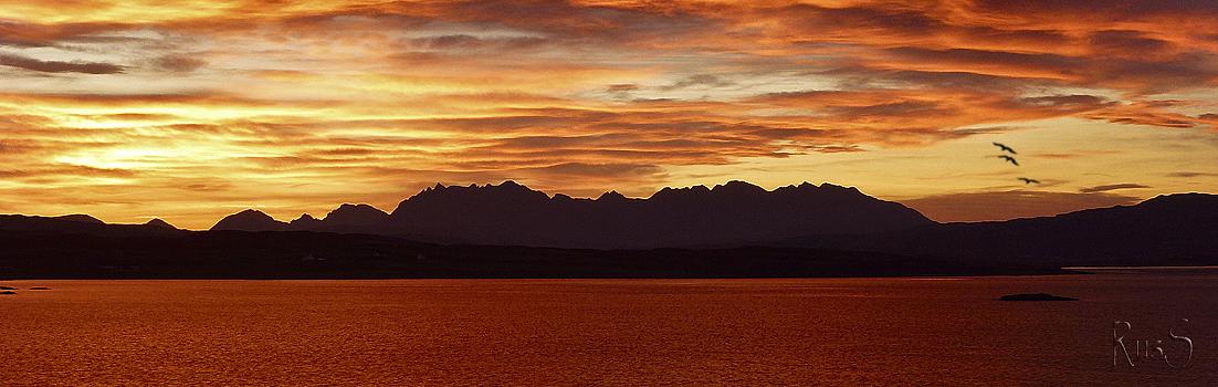 Méditation (musique) Copy-sg209-2011-11-14-sunrise-loch-caroy-plus-birds-1102x350
